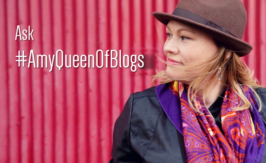 Amy Queen of Blogs branding